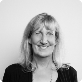 Julie Dinnage Profile
